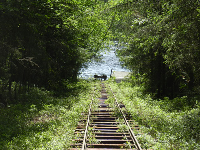 The canoe trolley and pulley cable. Photo: Jayne Nature Travels