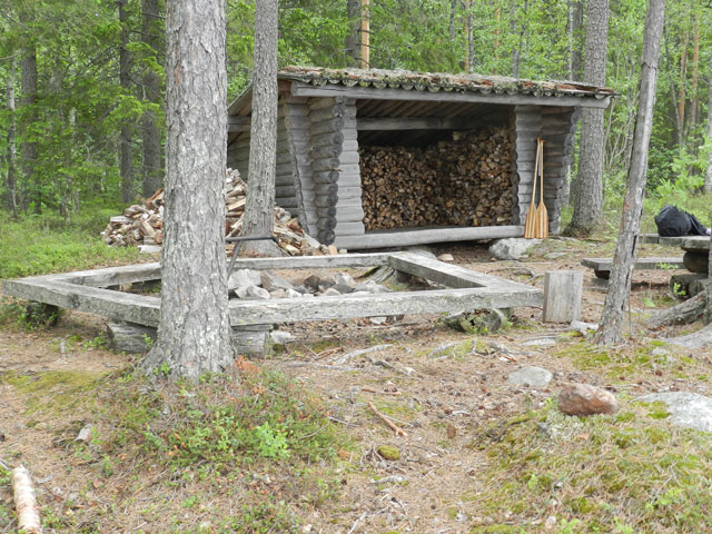 Our  wind shelter for the night, full of wood! Photo: Jayne Nature Travels