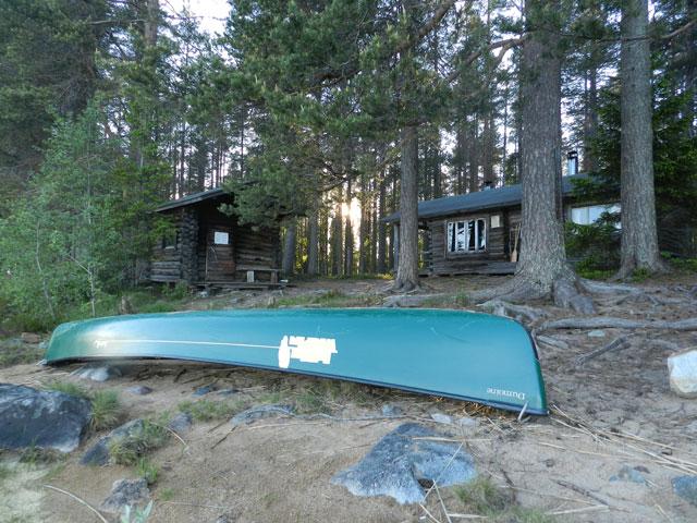 Canoe, cabin & Sauna. Photo: Jayne Nature Travels