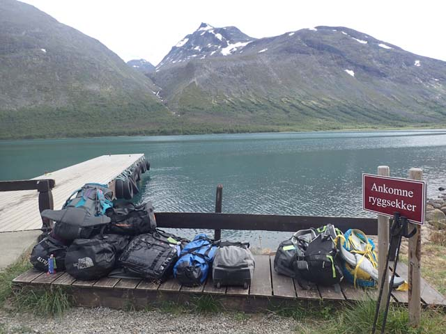 Luggage transfer between cabins on one of our hiking tours in Norway.