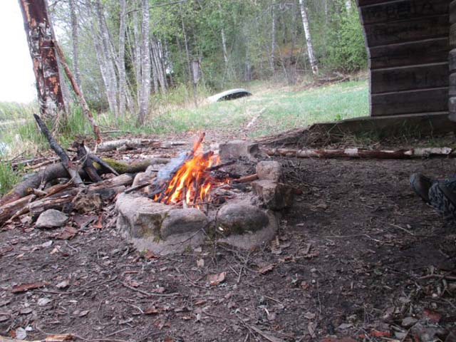 Fires are permitted along the way in accordance with the Swedish Right of Public Access.