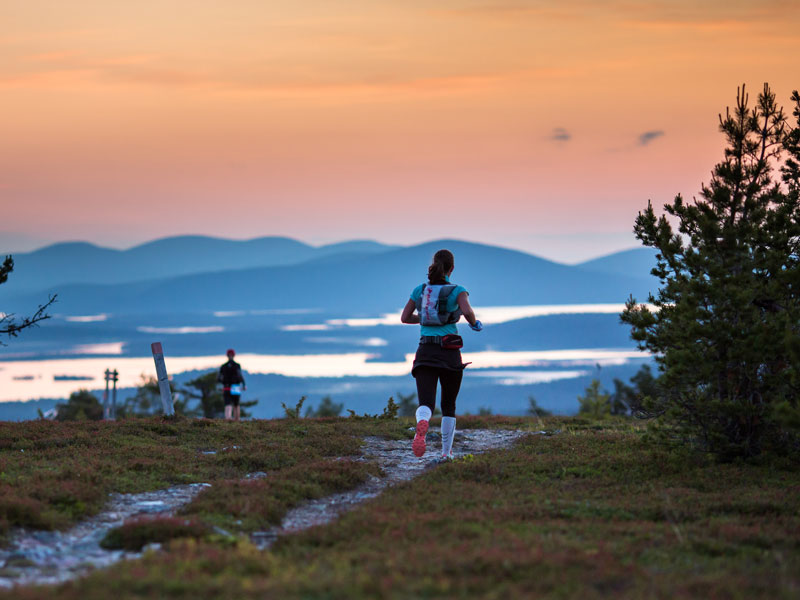 Running in Pallas, northern Finland. Photo: Aapo Laiho, Finland Photo.