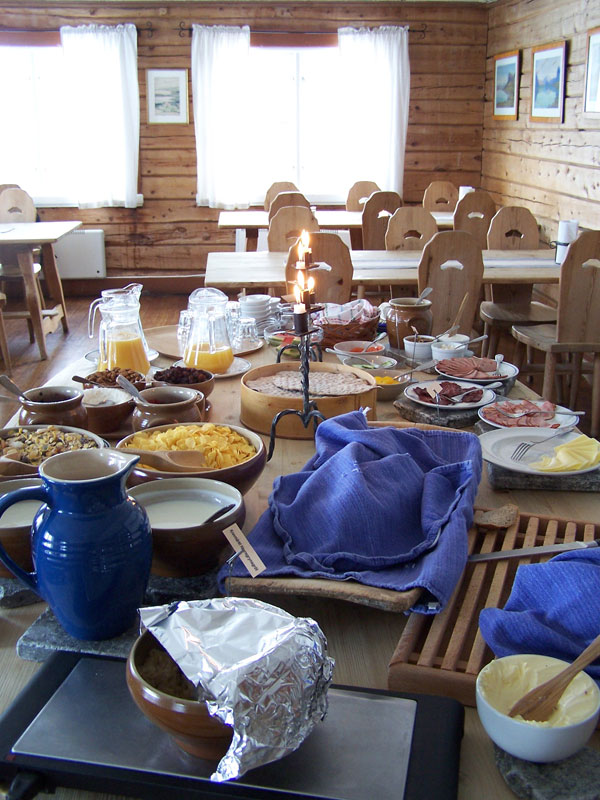 Enjoying a hearty breakfast at Saltoluokta before heading off. Photo: Nature Travels.