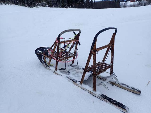 Tandem sled allow two persons to drive at the same time and are a great way to manage a dog team in the mountains.