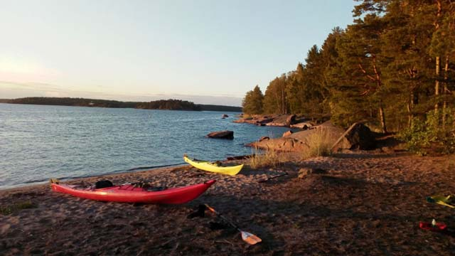 With the day's kayaking finished, it's time to enjoy the evening ashore.