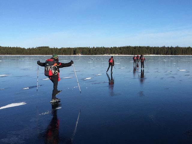 Ice Skating on Natural Ice. Photo: NG.