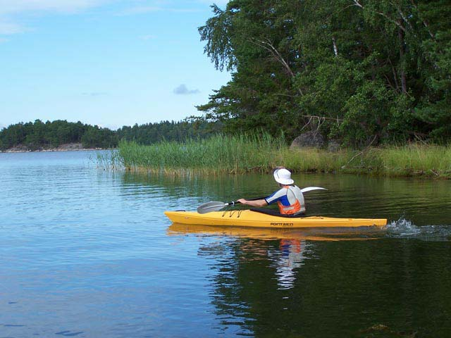Kayaking is a wonderful way to enjoy the Swedish summer!