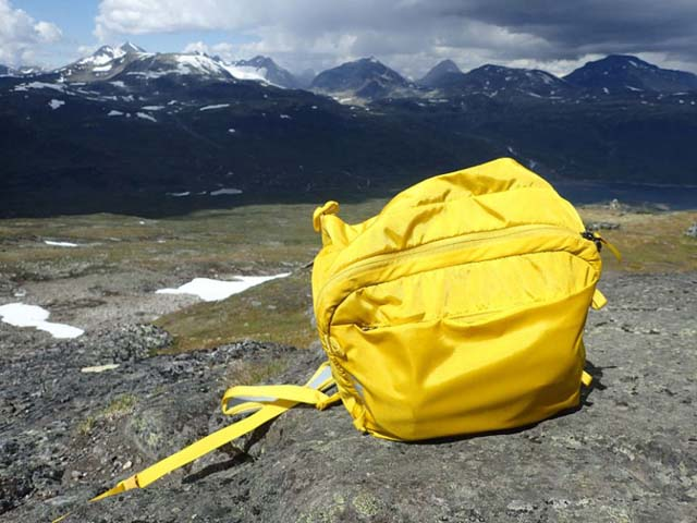 The Versant's top converts to a useful little day pack for short trips.