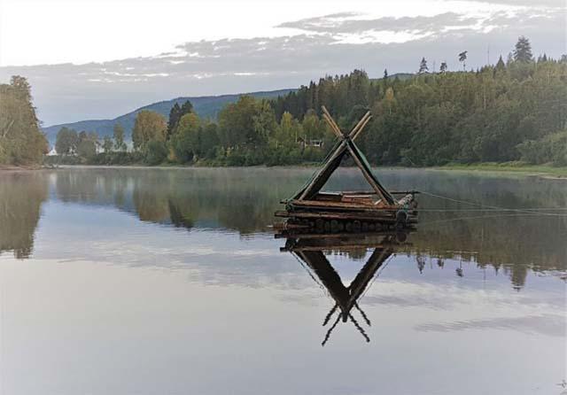 Timber raft