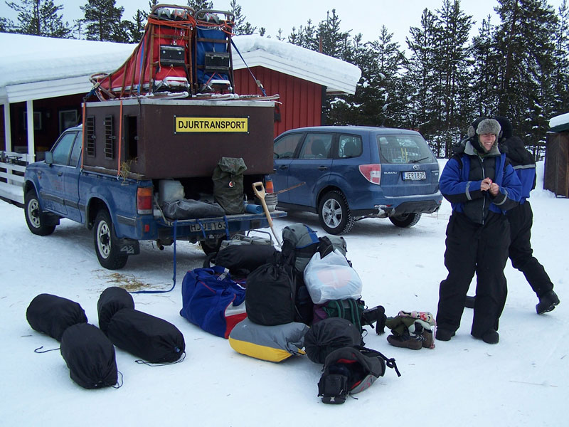 Getting everything together for the drive to Abisko. Photo: Nature Travels.