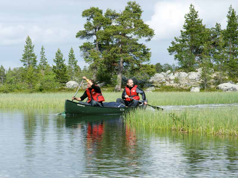 Discover Wilderness Canoeing in Rogen