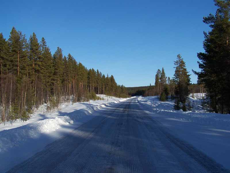 The roads in Sweden typically have very little traffic
