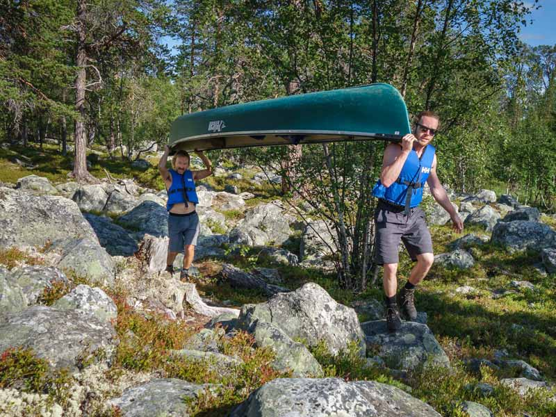 Land transports when canoeing in Rogen