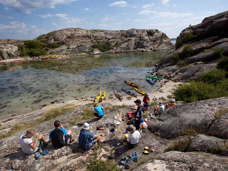 Guided day kayak tours in the archipelago